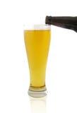 Strömendes Bier Stockbild