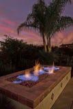 strömförande lyx för trädgårdfirepit royaltyfria foton