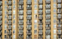 strömförande stads- Arkivfoto