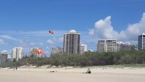 strömförsörjning för strandkustguld Arkivbilder