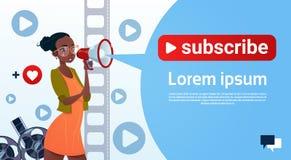Strömmen för den videopd bloggeren för kvinnan som prenumererar online-Blogging, begrepp royaltyfri illustrationer