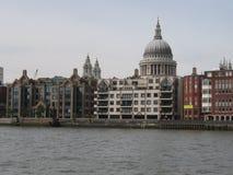 Str. Pauls von der Themse Stockfotografie