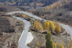 Straße über dem Berg Lizenzfreie Stockfotos
