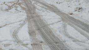 Straße abgedeckt im Schnee Lizenzfreies Stockfoto