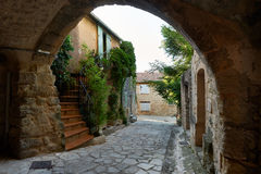 Straße in altem Grambois, Provence Lizenzfreie Stockbilder