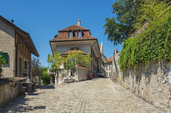 Straße in alter Stadt Thun Stockfotos
