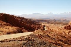 Straße in Atacama-Wüste Lizenzfreies Stockfoto
