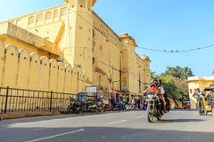 Straße außerhalb Jantar Mantars Stockbilder