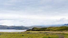 Straße auf atlantischer Südküste in Island Lizenzfreie Stockbilder
