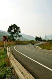 Straße auf Berg lizenzfreies stockbild