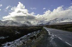 Straße auf der Insel von Skye Lizenzfreies Stockbild