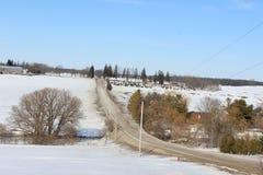 Straße auf einem Hügel Stockbilder