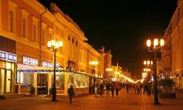 Straße Bolshaya Pokrovskaya im September Stockfotografie