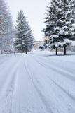 Straße in den Bergen Stockfotografie