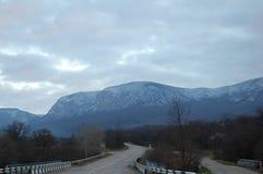 Straße in den Bergen Stockbilder