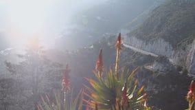 Straße in den Bergen von Cote d'Azur stock video