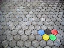 Straße in den olympischen Farben Lizenzfreie Stockbilder