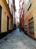 Straße der alten europäischen Stadt, Stockholm, Schweden, Sommer lizenzfreie stockfotografie