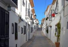 Straße in der alten Mitte von Altea in Spanien stockfotos