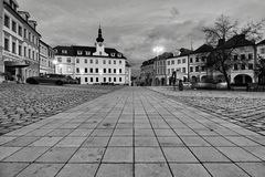 Straße der alten Stadt in Hradec Kralove Stockfotos