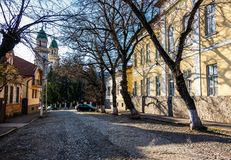 Straße der alten Stadt am sonnigen Frühlingstag Stockbild