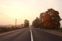 Straße in der Dämmerung lizenzfreie stockfotos