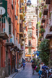 Straße in der historischen Mitte von Neapel-Stadt, Italien Lizenzfreie Stockfotos