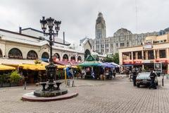 Straße in der Mitte von Montevideo stockbilder