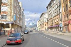 Straße in der Mitte von St Petersburg Stockfotografie