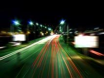 Straße in der Nacht Krasnoyarsk Stockfotografie