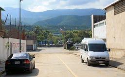 Straße in der nahen Hauptstadt Caracas lizenzfreies stockfoto