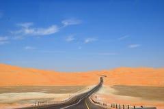 Straße in der Wüste stockfotografie