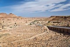 Straße in der Wüste von Sahara Lizenzfreie Stockfotografie