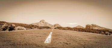 Straße in der wilden Wüste Lizenzfreies Stockbild