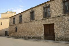 Straße des Dorfs im La Mancha Lizenzfreie Stockfotografie