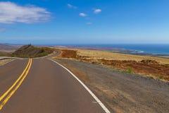 Straße, die auf der Insel von Maui auslöst lizenzfreie stockfotografie