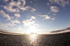 Straße in die Sonne lizenzfreies stockfoto