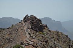 Straße, die zu den Höhepunkt des Nationalparks Kessel De Taburiente führt Reise, Natur, Feiertage, Geologie 11. Juli 2015 Isla lizenzfreie stockfotos