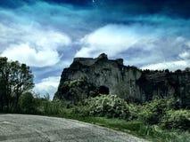 Straße durch Berg Lizenzfreie Stockfotografie