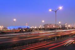 Straße durch das olympische Stadion Stockfotografie