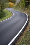 Straße durch die Berge Lizenzfreies Stockbild