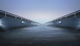 Straße durch die Brücke stockbilder