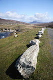 Straße durch die Küste in der Achill Insel Stockfoto