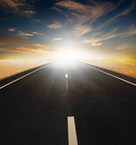 Straße durch die Wüste Lizenzfreies Stockbild