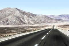 Straße durch die Wüste Stockfoto