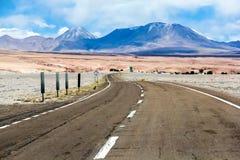 Straße durch die Wüste Stockbild