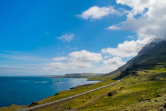Straße entlang der Ostküste von Island Stockfotos
