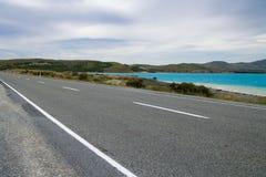Straße entlang See Pukaki Stockbild