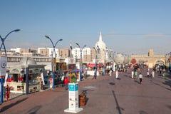 Straße am globalen Dorf in Dubai Stockfoto