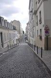 Straße im montmartre in Paris Lizenzfreie Stockbilder